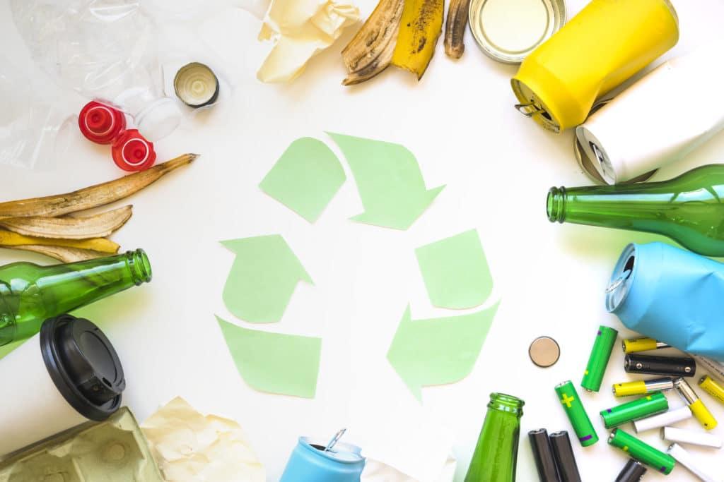 Visuel avec le logo Collecte, tri et recyclage.